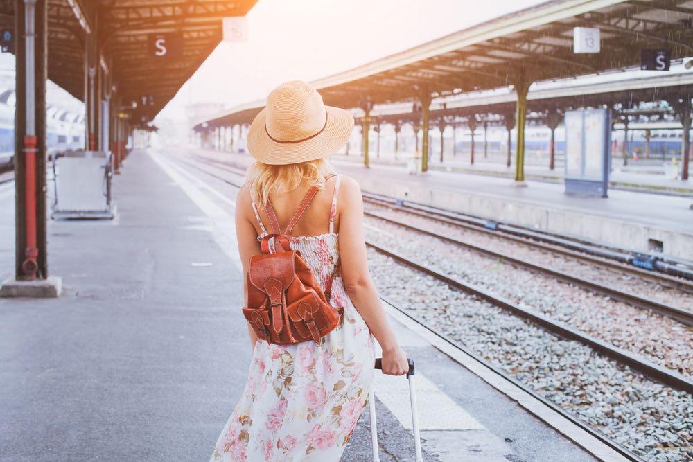femme qui voyage