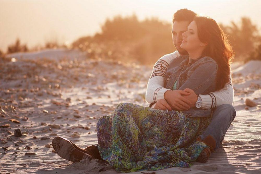 couple amoureux a la plage