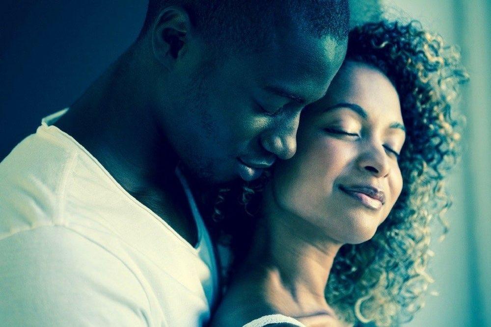 couple black amoureux