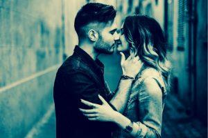 couple qui s embrasse