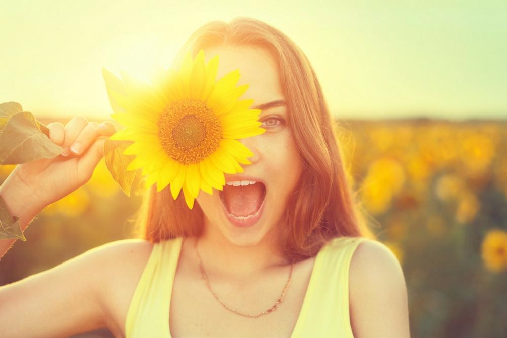 femme ete fleur tournesol